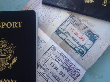 Paspor penuh stempel